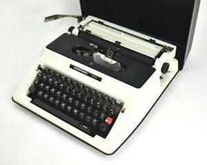 Vintage 1970s Silver Reed 500 Portable Cased Typewriter