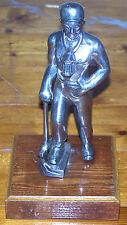 Alte Figur Bergmann mit Ausrüstung Grubenlampe Bergbau
