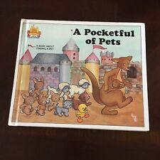 A POCKETFUL OF PETS. JANE BELK MONCURE. 0895656760