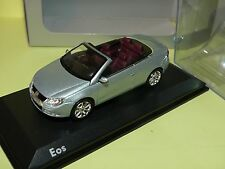 VW EOS CABRIOLET Bleu clair NOREV 1:43