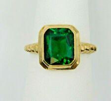 Beautiful 10k Yellow Gold Ring w/ Large Emerald (673)