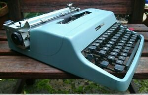 (G)VINTAGE MADE IN SPAIN OLIVETTI LETTERA 32 PORTABLE -  ORIG.CASE - SERVICED