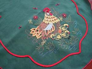Pretty Rooster Flower Red Ribbon Embroidery Deep Green Oval Table Runner