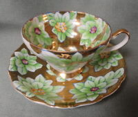 Vintage TRIMONT CHINA Occupied Japan TEA CUP & SAUCER Green Floral & Heavy Gold