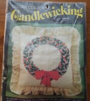 NIP CANDLEWICKING CHRISTMAS WREATH KIT COLONY COLLECTION 1781-CP PILLOW COVER