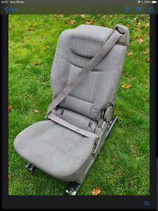 RENAULT ESPACE MK4 REAR SEAT WITH RAILS & FIXING BOLTS