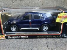Maisto 1997 Mercedes-Benz ML 320 SUV 1:18 Scale Diecast Model Car Blue