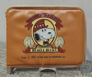 VINTAGE SNOOPY RESERVE BEAGLE BUCKS VINYL WALLET 1958 OLD PEANUTS COMIC ART TOY
