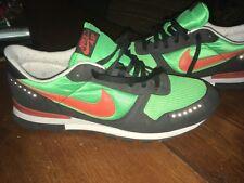 Nike Vector Greenspark, orange and black in Size EU 44,5 , UK 9,5.