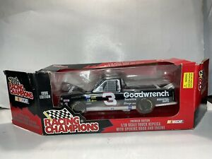 Racing Champions Mike Skinner Premier Edition 1/18 Scale Diecast Super Truck