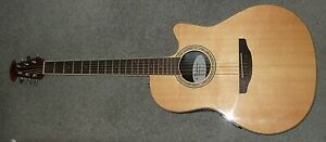 Ovation Celebrity bowl back electro-acoustic guitar in superb condition
