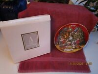 Avon Christmas 1992 Sharing Christmas With Friends Collector Plate 22k Gold Trim