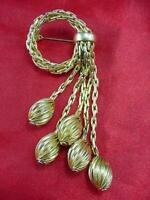 Haute Couture Henkel GROSSE 1963 Germany GOLD Plated Circle  Dangles Pin   #1467
