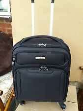 Cabin Size Ultralite Extreme Samsonite Suitcase in Black