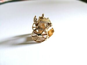 Vintage 1965 9ct Yellow Gold Charm - Carriage - Moving Wheels - 4.6g