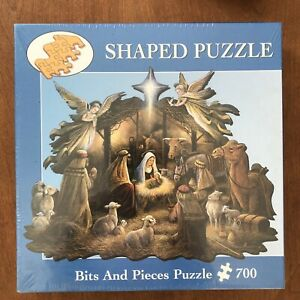 Bits And Pieces Shaped Puzzle 700 pieces Christmas  - In The Manger - New Sealed