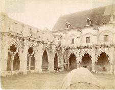 France, Soissons, Abbaye Saint-Jean-des-Vignes, vue sur la cour  Vintage albumen