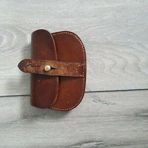 A quality WW1 / WW2 British Army prop Officers  leather ammunition pouch