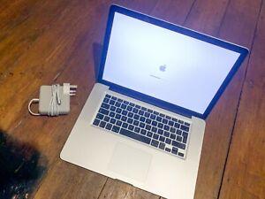 Apple MacBook Pro15.4 inch 2TB HDD 8GB RAM