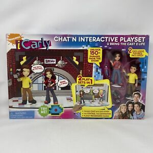 Icarly Chat'N Interactive Playset U Bring the cast to 2 Life Exclusive Figures
