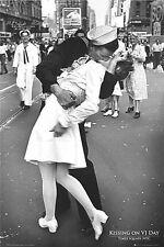 Sailor and Nurse VJ Day Kiss Times Square Poster Art Print 24X36 (61X91.5cm)
