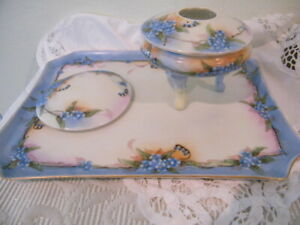 VTG PRUSSIA PEERLESS 4 PIECE VANITY PORCELAIN SET 2-PIECE HAIR RECEIVER,TRAY LID