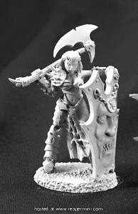 Reaper Miniature Dark Haven Legends Shaern, Female Antipaladin RPR 03762