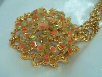 Gold Tone Coral Jade Colored Stone Flower Pendant Vintage 70's Necklace 602jl0