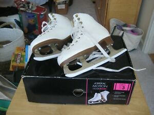DBX Motion Figure Skates Size 3 with Box