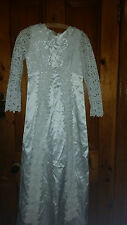 LADIES  VINTAGE  RETRO ? WEDDING/BRIDESMAID DRESS WITH FLOWERS AND BEADS 30 CHE