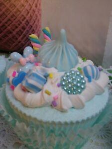 Neu v. tortenliebe PREISKNÜLLER Ein Cupcake Torte Sahne Petit Four Deko Tilda