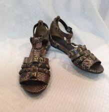 5ae79402e0320 EUC Libby Edelman Women s Gladiator Style Sandals Snakeskin Size 6.5M