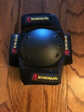 Bone Shieldz Knee Protector Pads Size Small Pre-owned in Good Condition