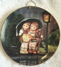"Mj Hummel Plate "" Stormy Weather "" 1991 Little Companions Danbury Mint"