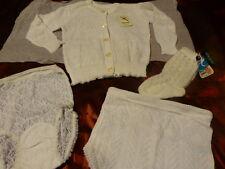 4piéces neuves gilet ,culottes et chaussettes=== gros poupon ,bébé ???