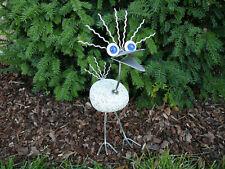 Wilder Vogel aus Edelstahl und Granitstein 50 cm hoch