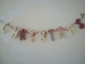 SHABBY COUNTRY STYLE CHIC CHRISTMAS RED AND CREAM  WOODEN GARLAND