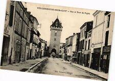 CPA VILLENEUVE-sur-LOT-Rue et Tour de Pujols (263935)