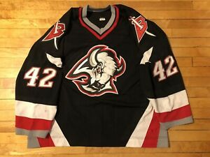 2000-2001 RICHARD SMEHLIK BUFFALO SABRES GAME WORN BLACK JERSEY, Size 58