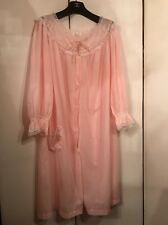 Vintage 70's Unused Pink Powder Seamless Long Sleeves Light Robe by Barbizon