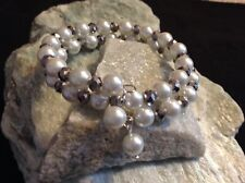 Glass pearl & metallic faceted bead memory wire bracelet