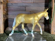 Breyer Model Horse Mule Decorator Glossy Gold Charm CM=)