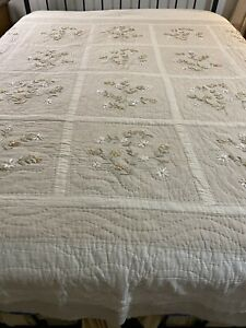 Farmhouse  Vintage Hand Quilted Ribbon Flowers Patchwork Quilt 104x91 king #144