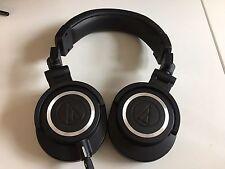 Audio-Technica ATH-M50x Professional Studio  Monitor Headphones (Black)