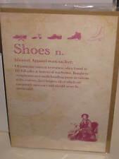 Tarjeta de felicitación de Zapatos Gracioso Pequeño, definición de diccionario broma, que se encuentra en grandes montones