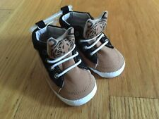NWT Old Navy Baby Soft Shoes Size 12-18 Months Cute!!