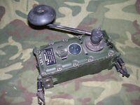 Generatore di tensione a mano per stazioni radio PRC-351 e PRC-320