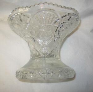 "Glass Centerpiece Fruit / Snack Bowl Footed 7"" Diameter U.S.A"