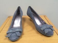 DKNY Ladies Grey Suede Leather Kitten Heel Shoes @ US 6 B UK 3.5 Donna Karan NY