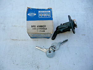 1955 1956 1957 Thunderbird original Ford FoMoCo glove box lock with 2 keys